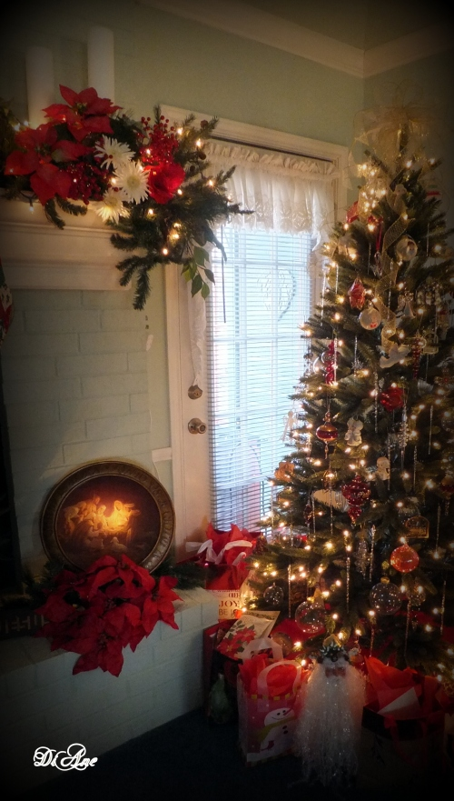 christmas-tree-and-mantle-2