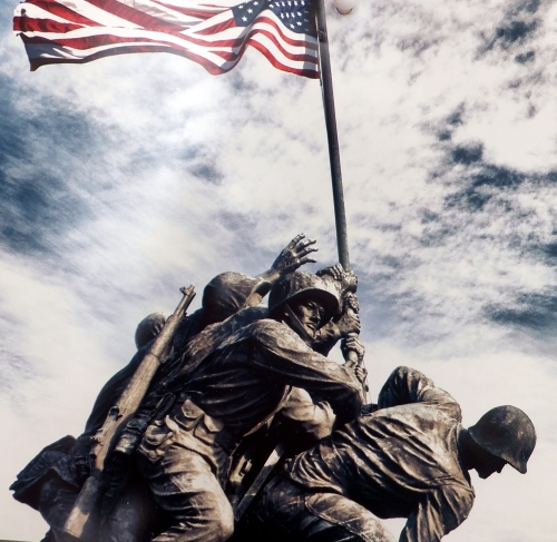 soldiers-and-flag-2